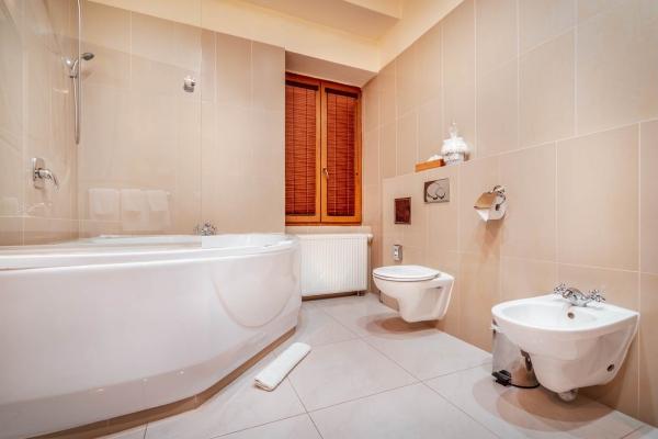 hotel-capital-2019-hires-59-web7090AB0F-0FE9-8270-AC0F-1043EF8B9439.jpg